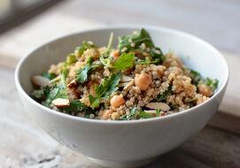 Rucola Kikkererwt Salade Met Quinoa