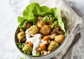 Cpv Autumn Salad With Veggie Tots And Crispy Vegetables