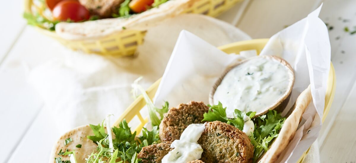 Cpv Falafel In Pita Bread And Tzatziki